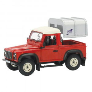 TOMY BRITAINS LAND ROVER DEFENDER 90 1:32 42732